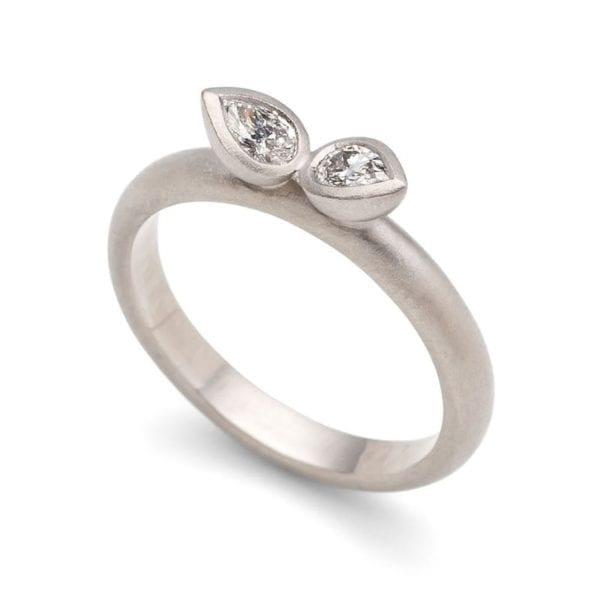 silver ring gem leaf