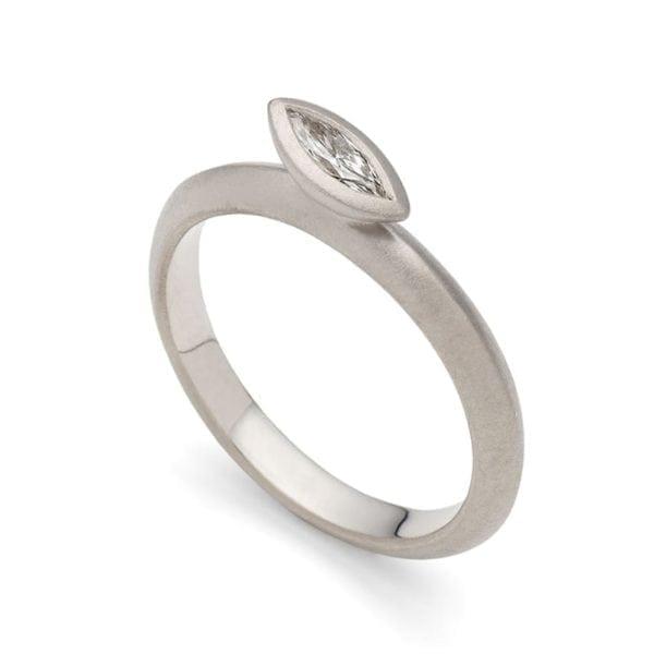 Daisy Ring 18w