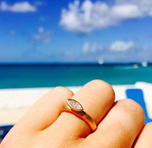 Daisy petal ring in sun